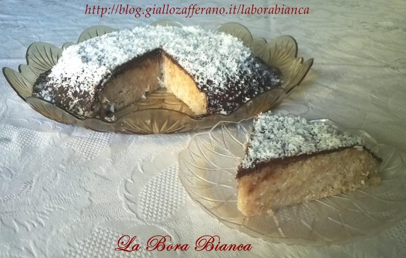 Torta al cocco glassata | Torta Bounty | ricetta senza uova nè forno | La Bora Bianca