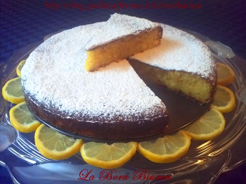 Torta caprese al limone | ricetta torta morbidissima | La Bora Bianca