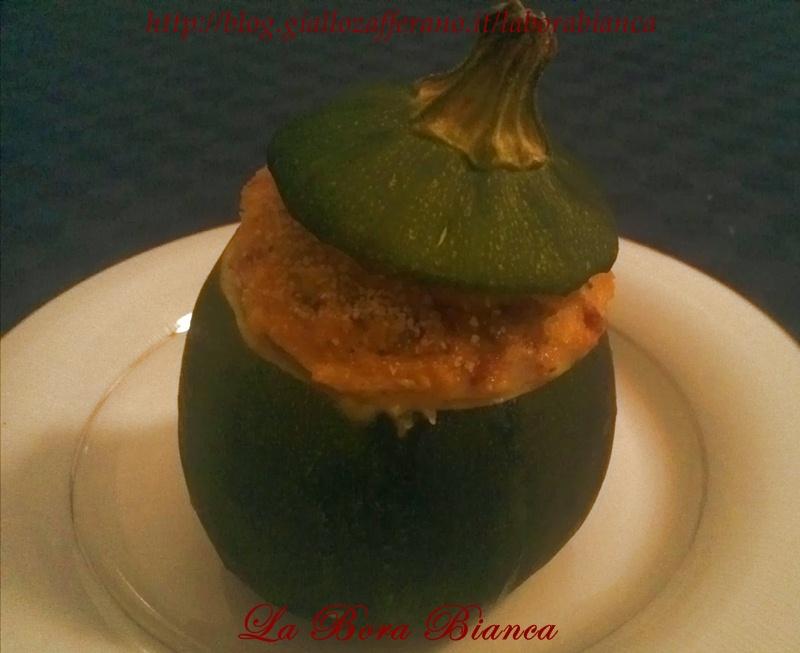Bomba a mano | ricetta zucchina tonda ripiena | La Bora Bianca