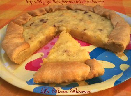 Torta salata con patate, salame e formaggio, ricetta semplice