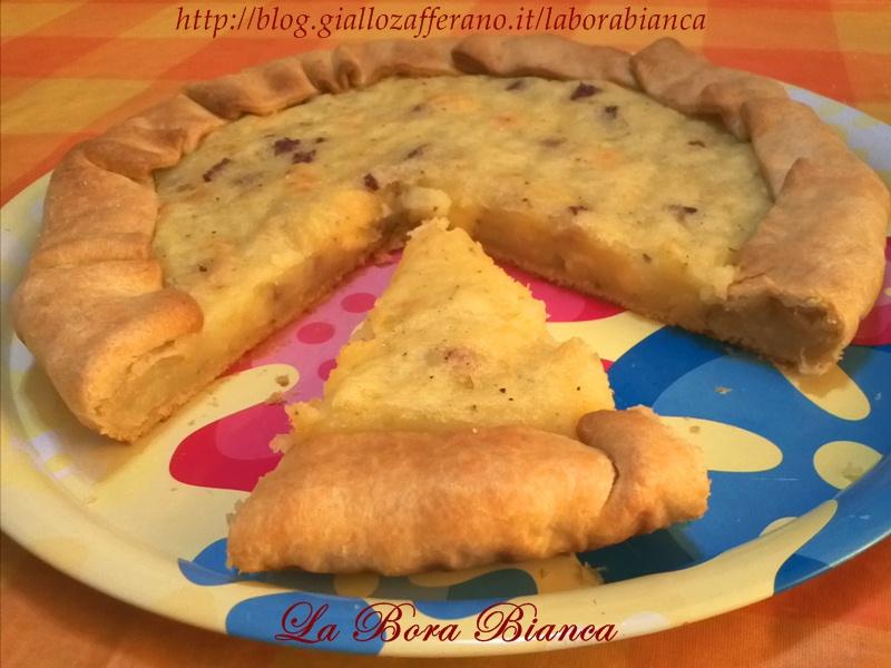 Torta salata con patate, salame e formaggio | ricetta semplice | La Bora Bianca