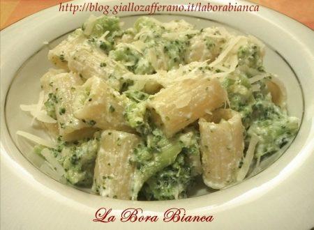 Pasta con broccoli e ricotta, ricetta vegetariana