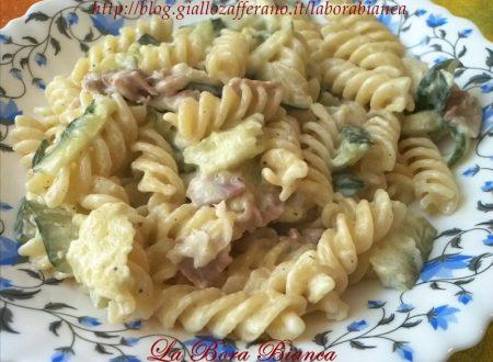 Pasta con zucchine e speck, ricetta cremosa