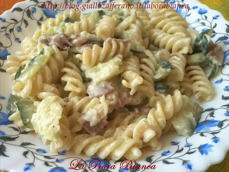Pasta con zucchine e speck  ricetta cremosa La Bora Bianca