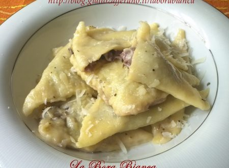 Ravioli di patate ripieni di radicchio, ricetta vegetariana