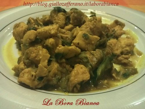 Tacchino al curry e zucchine, ricetta semplice e gustosa