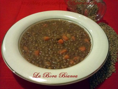 Zuppa di lenticchie e patate, ricetta vegana