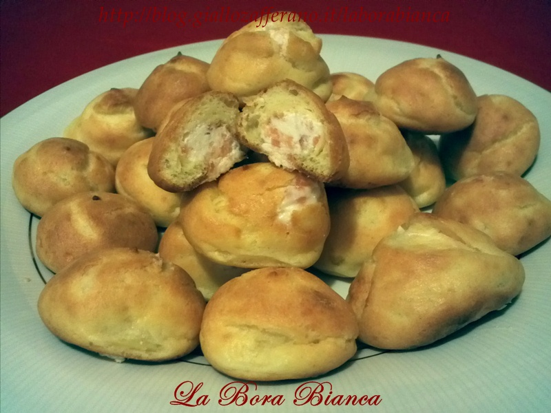 Bignè salati al salmone, ricetta aperitivo finger food La Bora Bianca