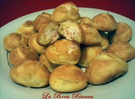 Bignè salati al salmone, ricetta aperitivo finger food