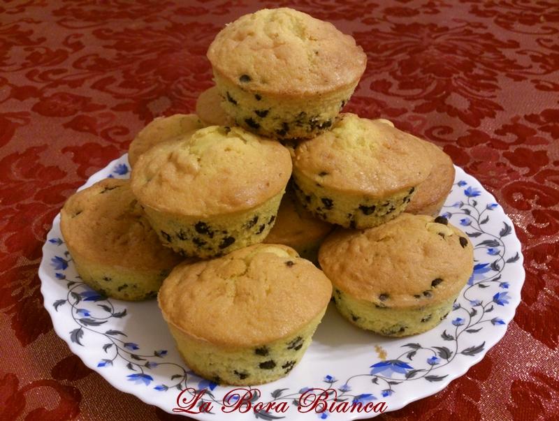 Muffin con gocce di cioccolato, ricetta semplice e veloce La Bora Bianca