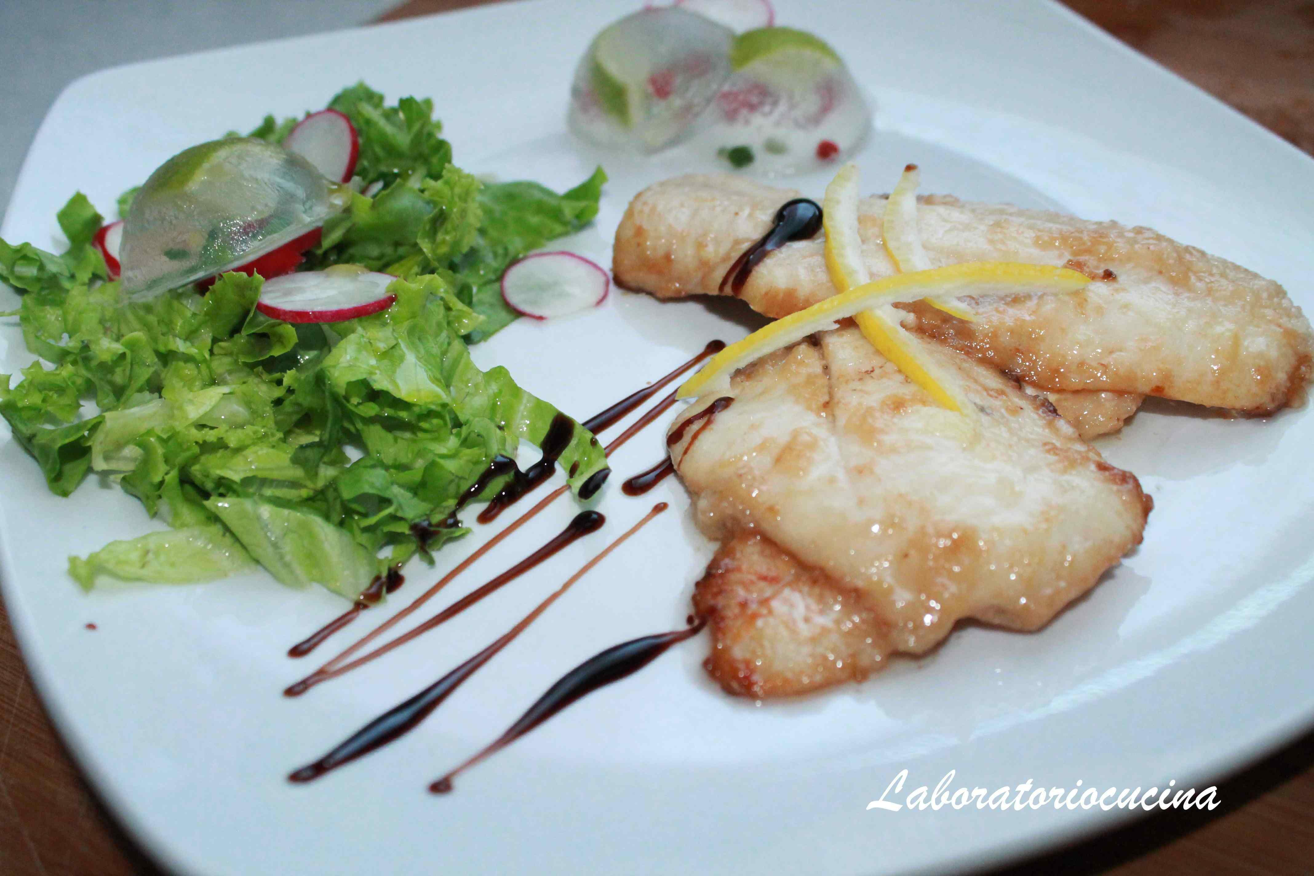 Filetti di merluzzo con salsa al limone e porri