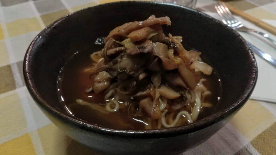 zuppa di miso funghi