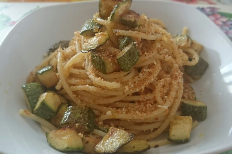 Spaghetti ammollicati con zucchine