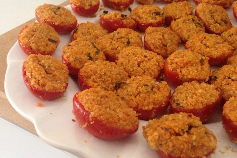 Pomodorini ripieni al forno