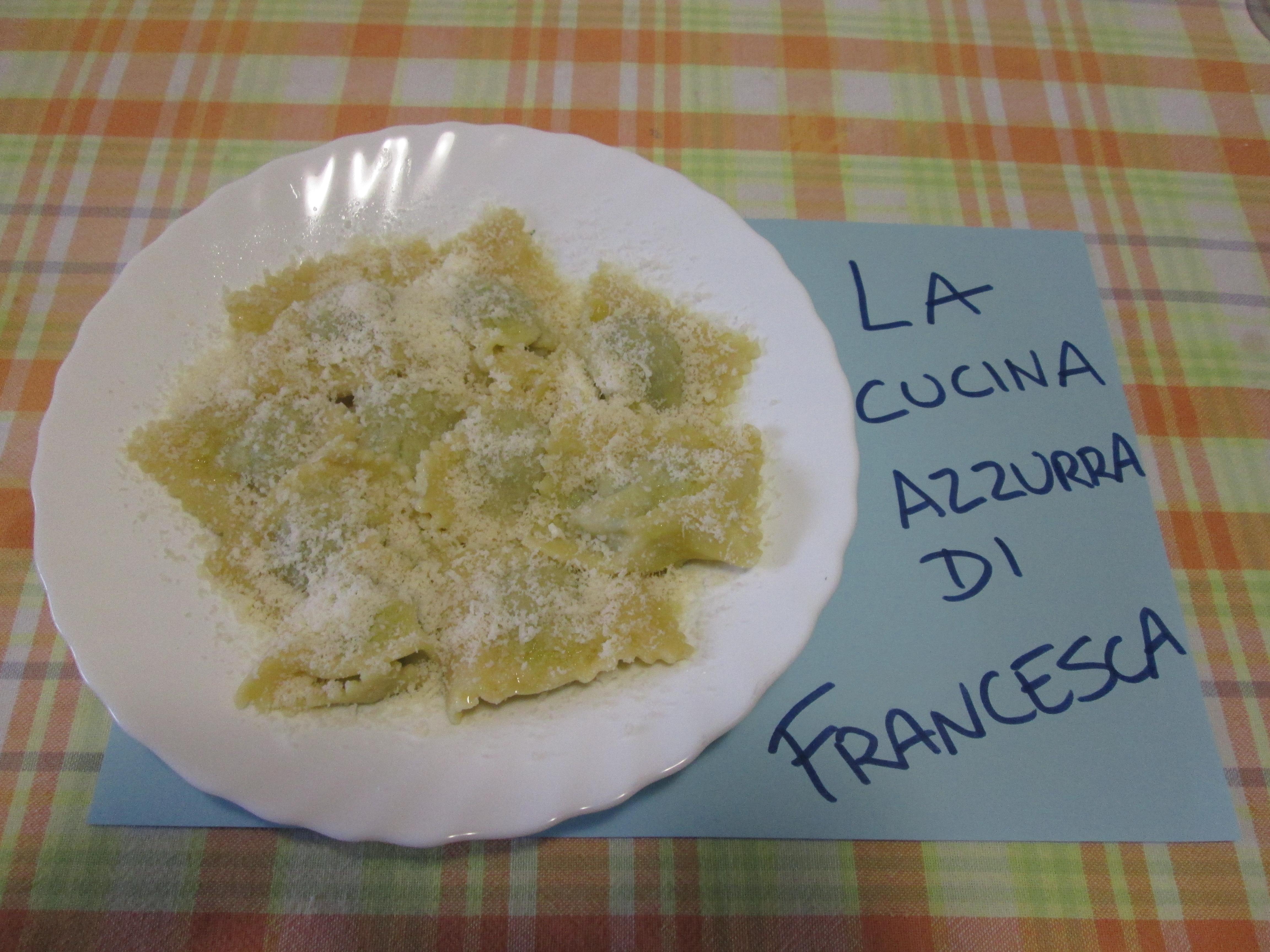 Ravioli di carne con spinaci e ricotta al sugo la cucina for La cucina di francesca valmadonna
