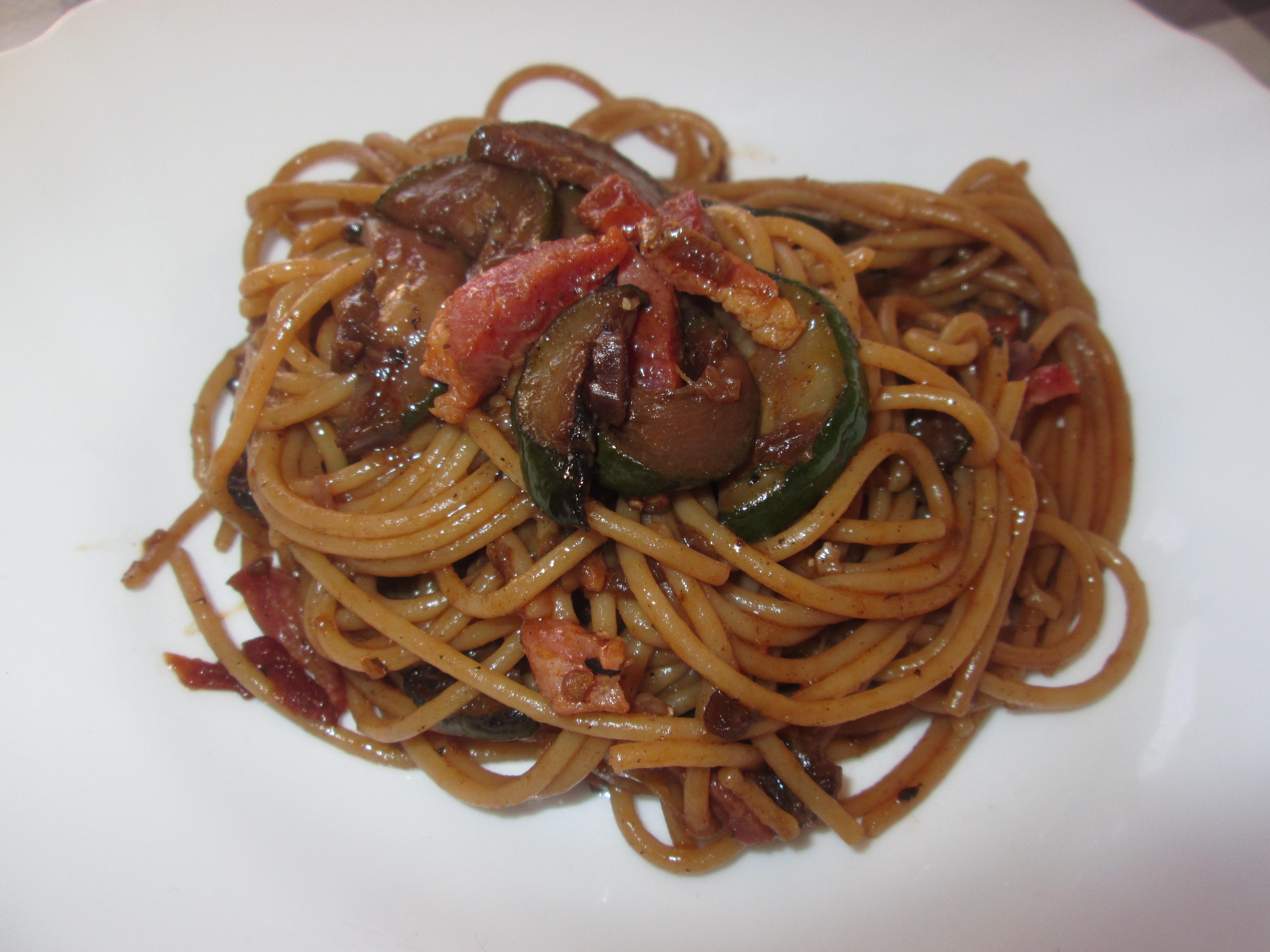 Spaghetti integrali con pancetta e verdure la cucina for La cucina di francesca valmadonna