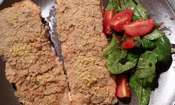 Salmone in crosta aromatica