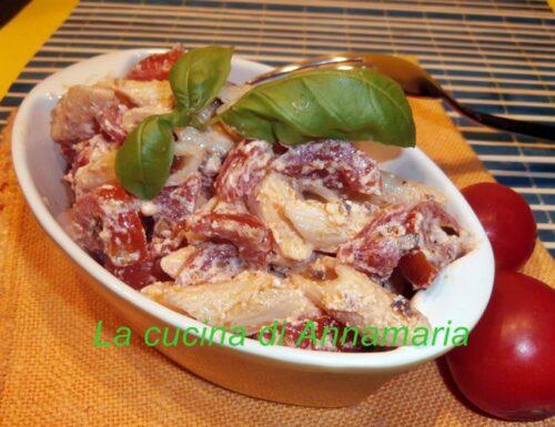 Pasta fredda con ricotta olive e pomodorini