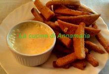 Crostini di polenta con salsa al gorgonzola
