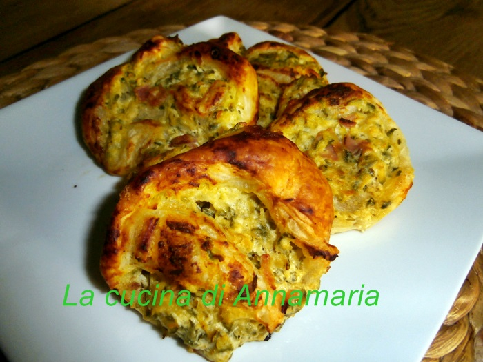 girelle di sfoglia con zucchine e formaggio