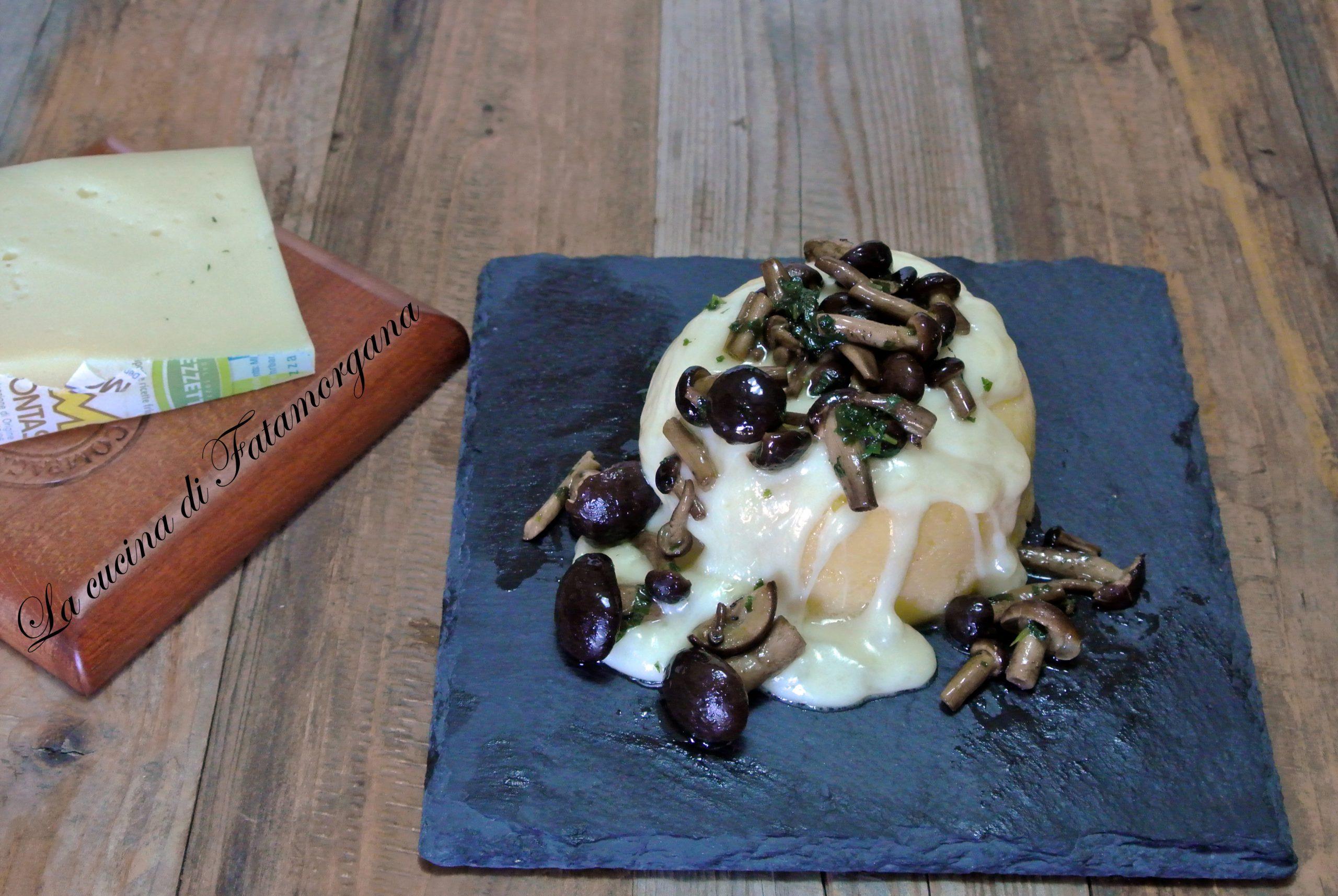 polenta con formaggio e funghi