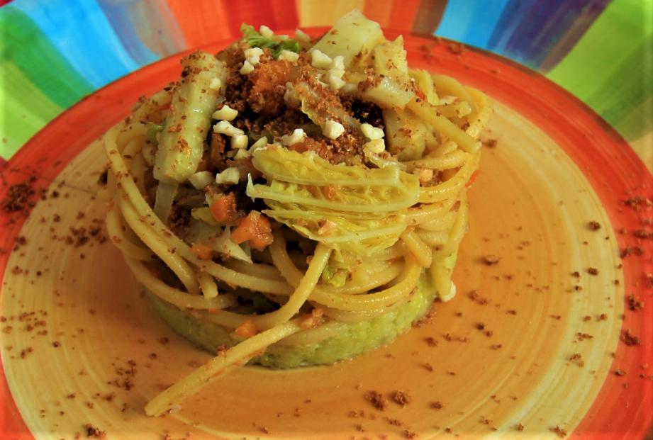 spaghetti con la verza al profumo di arancia