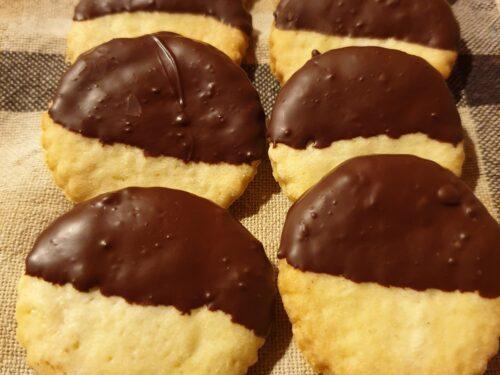 Biscotti di pasta frolla e cioccolato