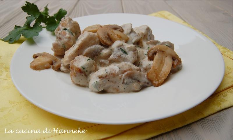 Bocconcini di pollo ai champignon