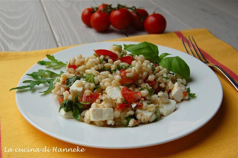 insalata di grano con pomodorini e feta