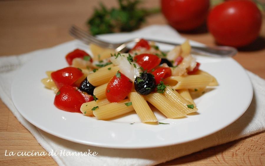 Penne al baccalà, pomodorini e olive