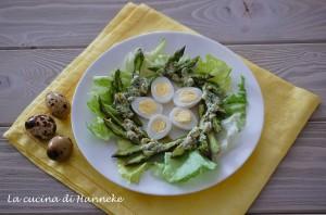 Nido di asparagi con uova di quaglia