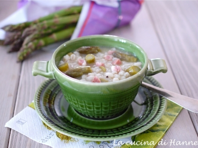 zuppa con asparagi