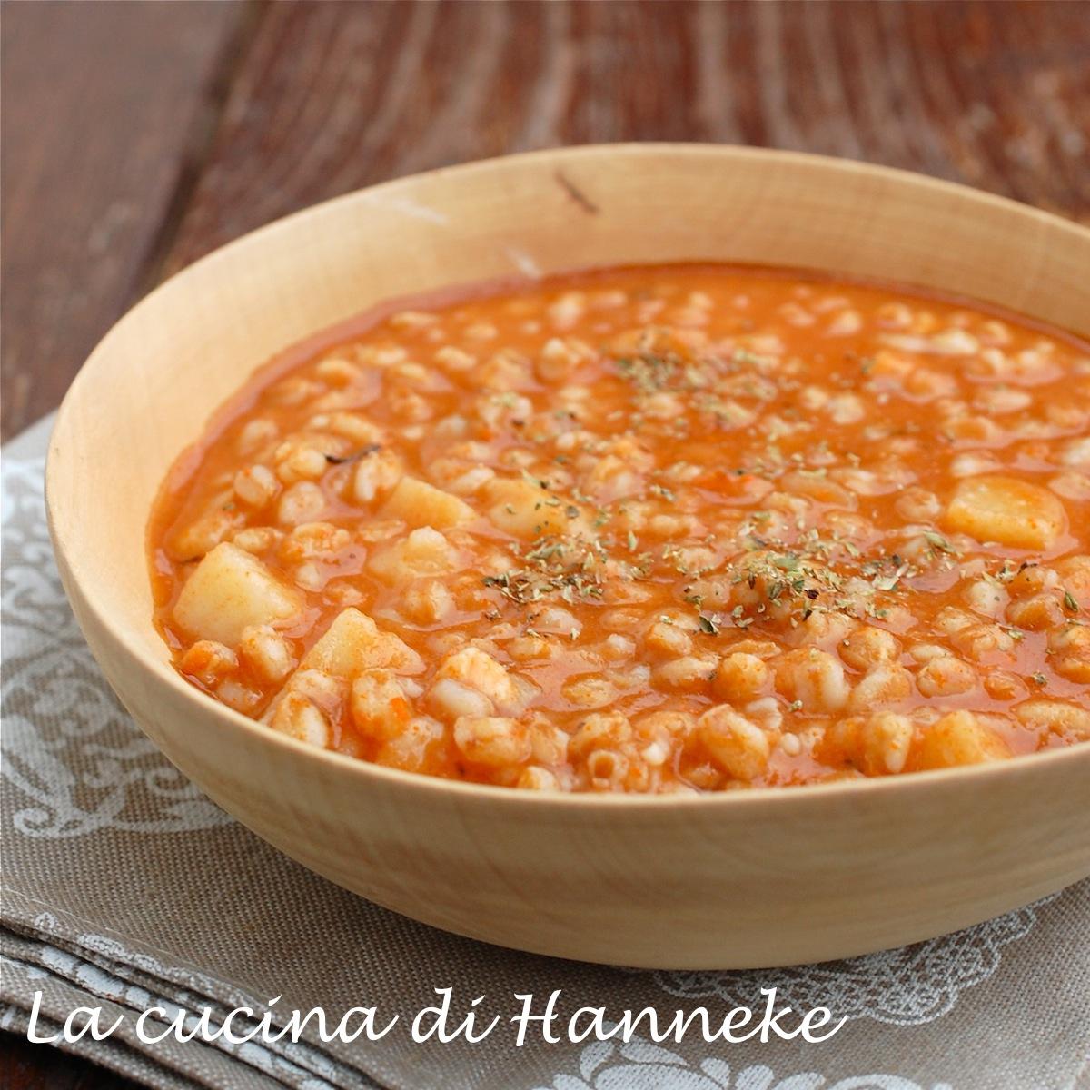 Minestra di farro pomodoro patate zuppa