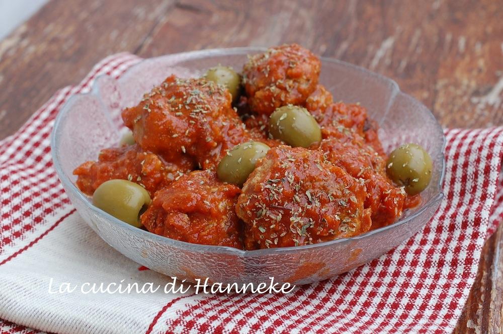 Polpette con olive e pomodori secchi