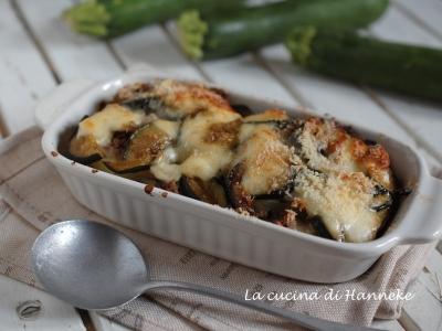 Pasticcio di zucchine e patate parmigiana di zucchine carne trita