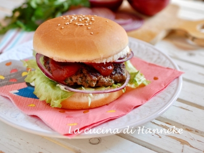 Caesar burger hamburger panino polpetta
