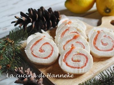 Rotolini al salmone e mousse formaggio al limone