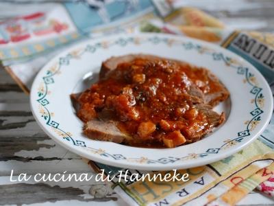 Arrosto di manzo al sugo con pancetta affumicata