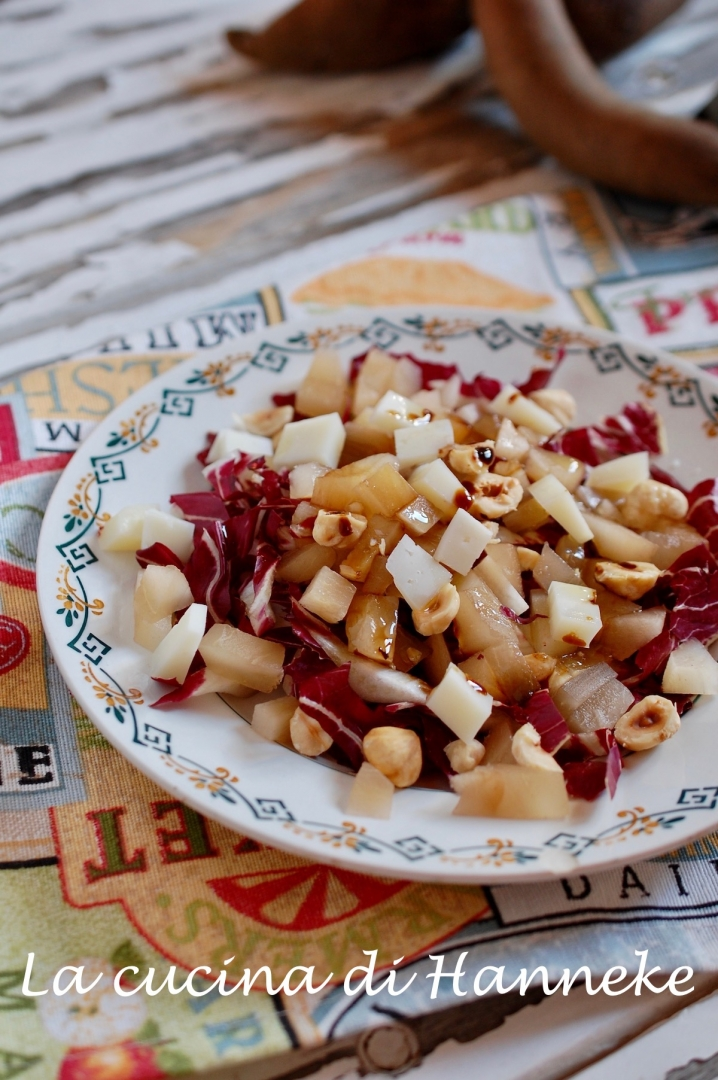 Insalata con radicchio e yacon il superfood sudamericano dalle numerose qualità benefiche