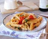 Pasta con verdure estive e basilico
