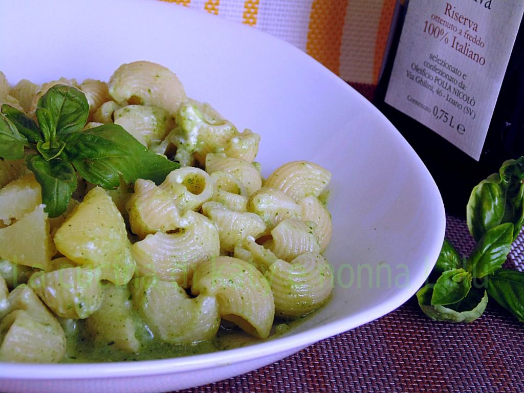 pasta pal pesto e patate