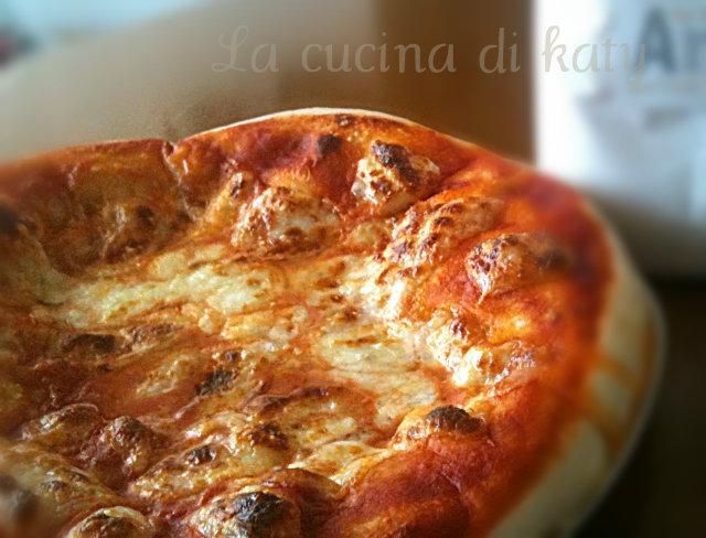 pizza margherita con pasta madre