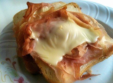 Toast scomposto