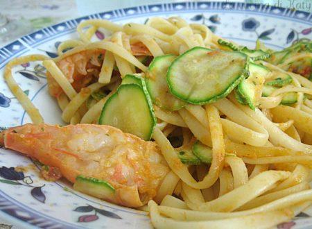 Linguine al cartoccio scampi e zucchine