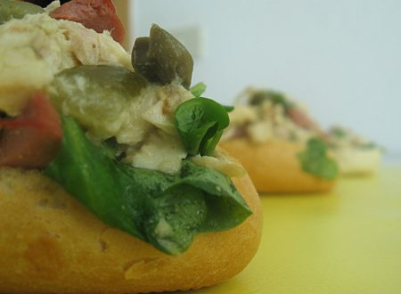 Insalata di pollo tonnata finger food