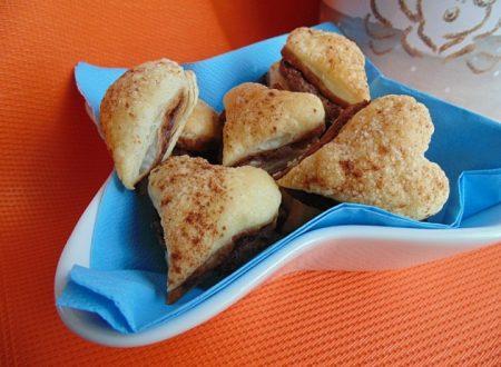 Cuori Nutella e cannella | Ricetta facile e golosa