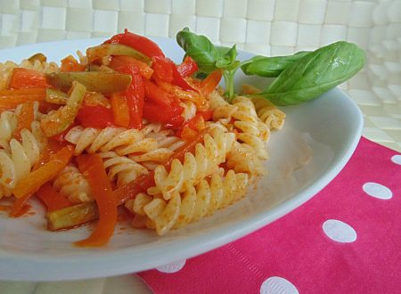 Pasta arcobaleno con tanta verdura