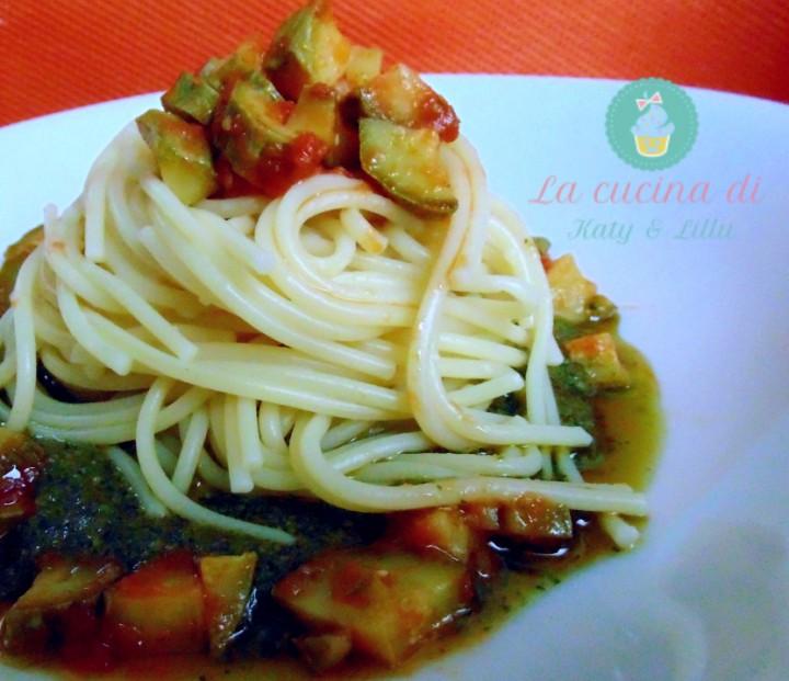 pasta con zucchine -e-pesto