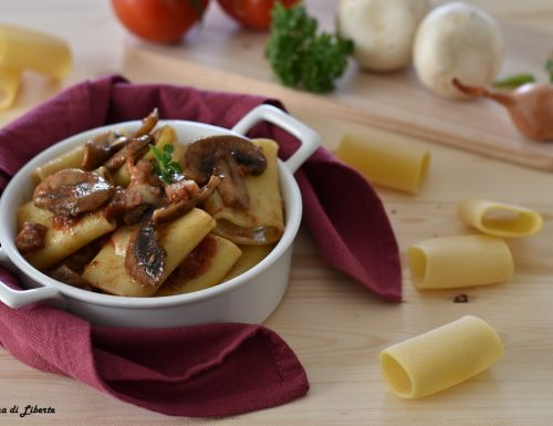 Paccheri con pancetta e funghi