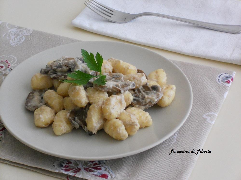 Gnocchi di patate con salsa ai funghi